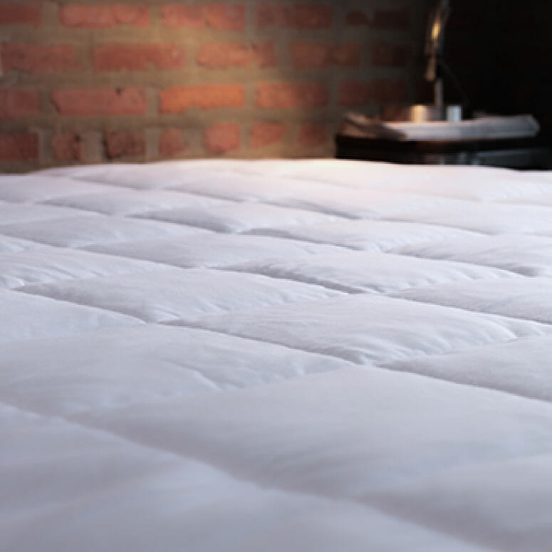 Slumber Cloud Nacreous Mattress Pad