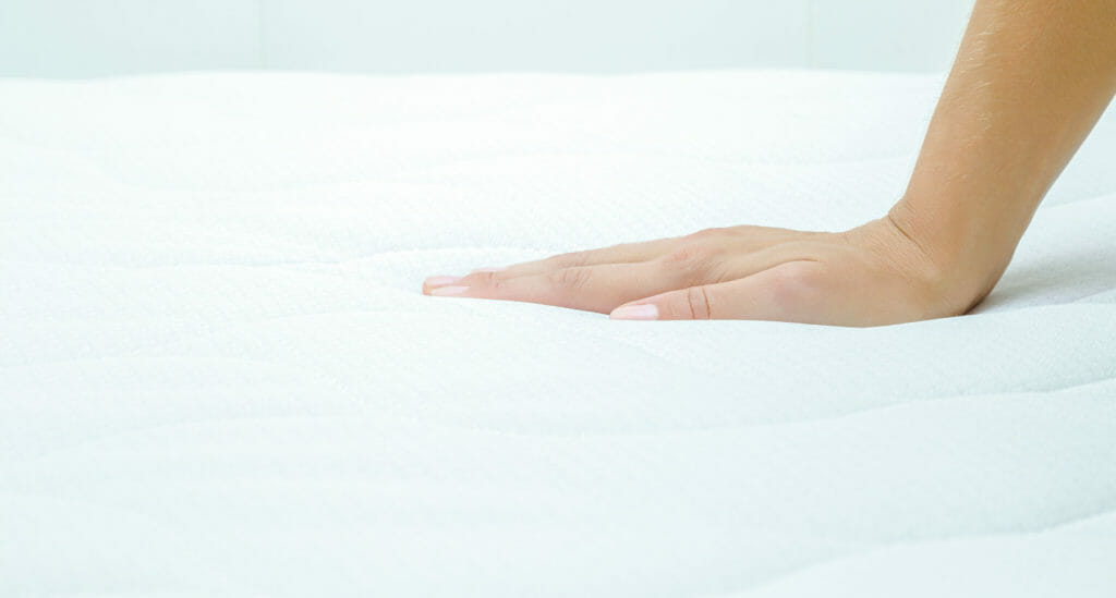 Mattress Topper Versus Mattress Pad: Which One Is Right For You?