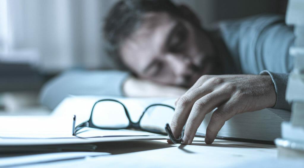 OMR FAQ DoesAlcoholHelpYouSleep Body3