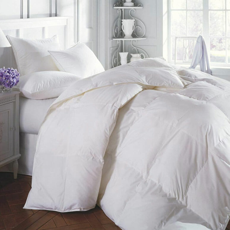 Superior Solid White Down Alternative Comforter