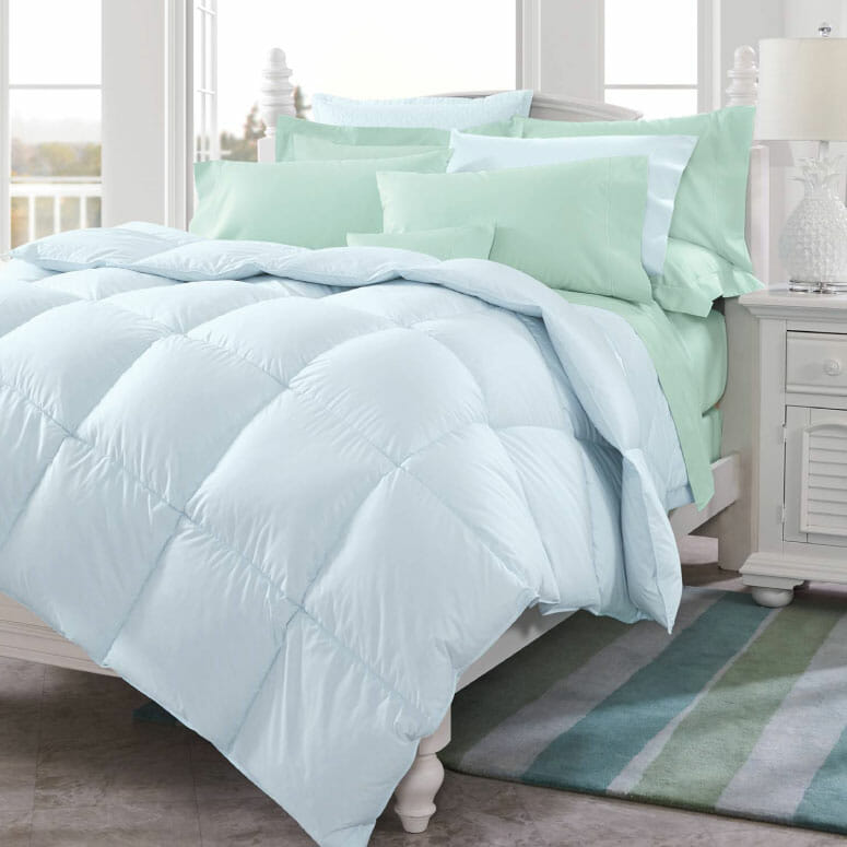 600 Fill Power Sateen Colored Down Comforter