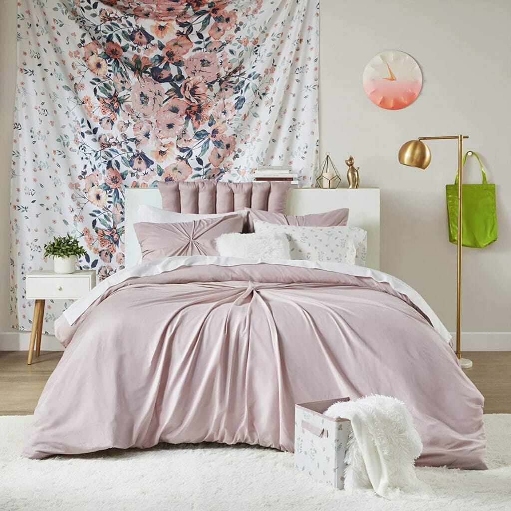 Best Dorm Bedding for Female College Students 2