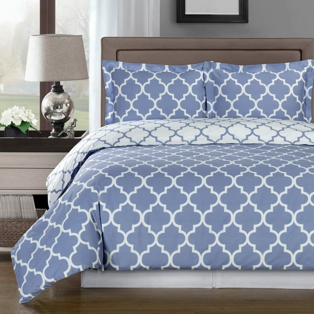 Best Dorm Bedding for Female College Students 8