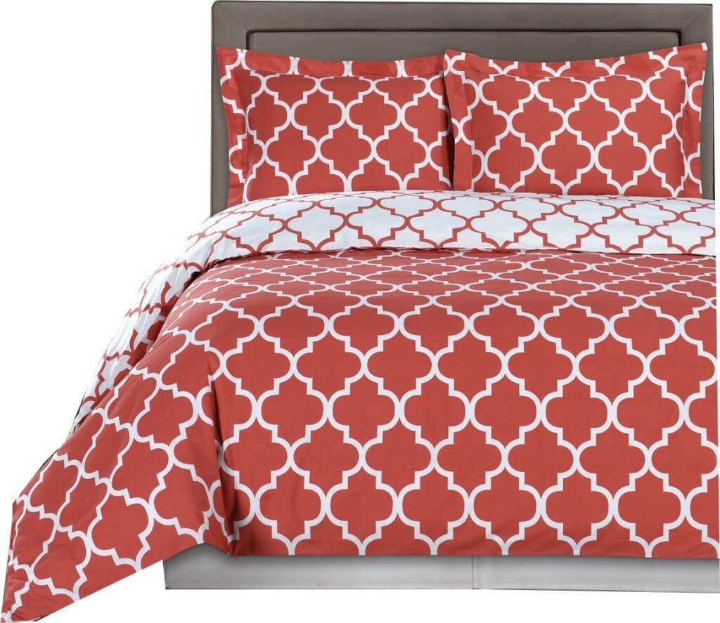 Best Dorm Bedding for Female College Students 9