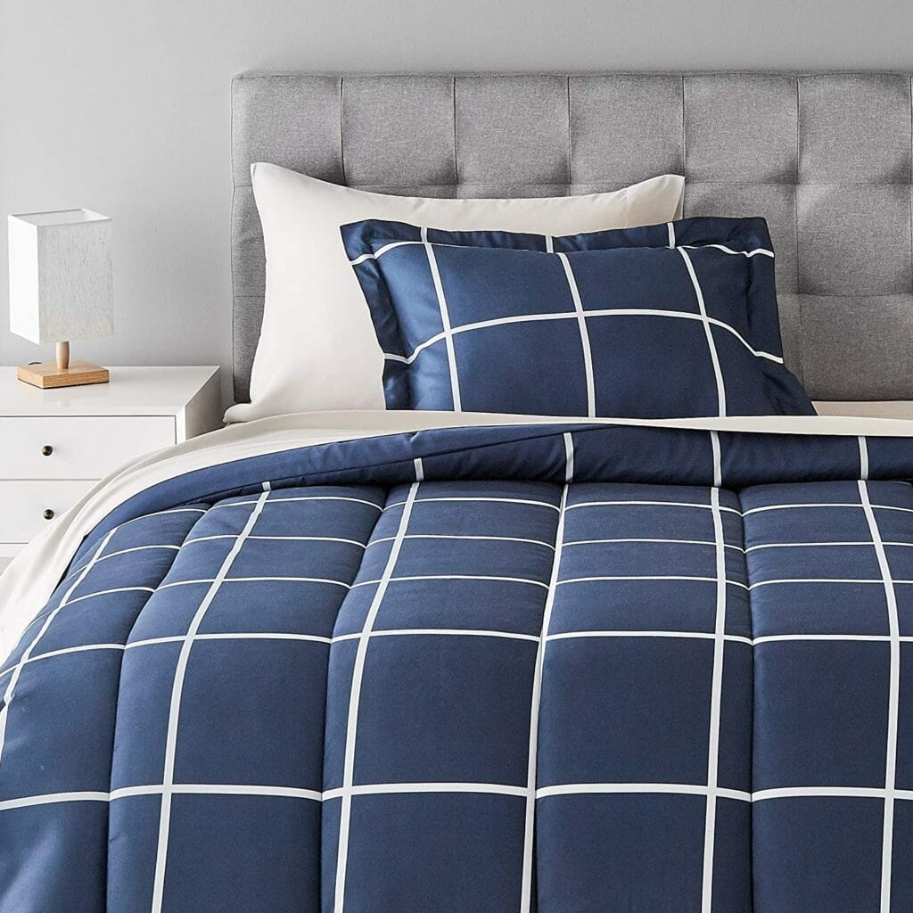 Best Dorm Bedding for Male College Students 3